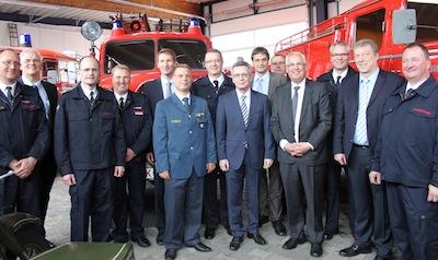 Arnsberger Feuerwehr stellt Bundesinnenminister innovative Konzepte vor